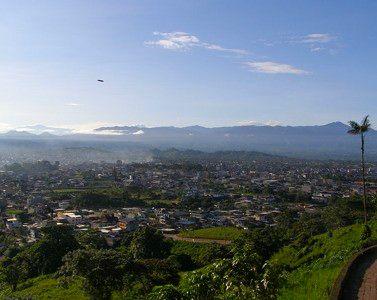 Santo Domingo, Equador, by Carlos Echanique - GNU license