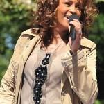 Whitney Houston on GMA in 2009 by Asterio Tecson, CC license