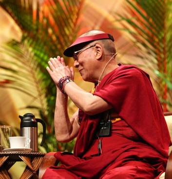 Dalai Lama Hawaii - photo by Sun Star