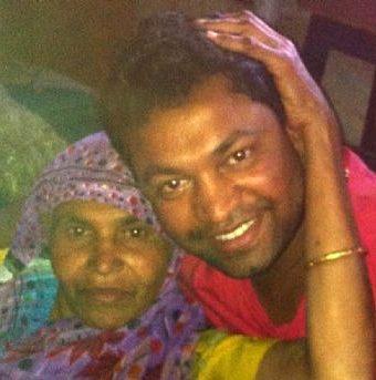 Indian man reunites after 25yrs using Google Earth