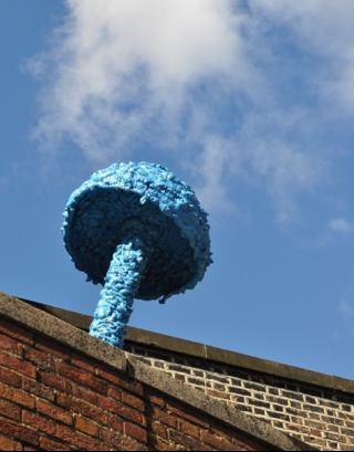 Street art mushroom by artist Christiaan Nagel- via paulsartworld.blogspot.com