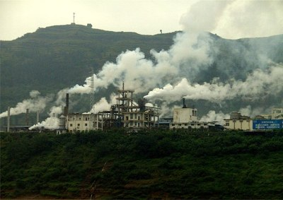 Factory in China -Wikipedia photo by High Contrast