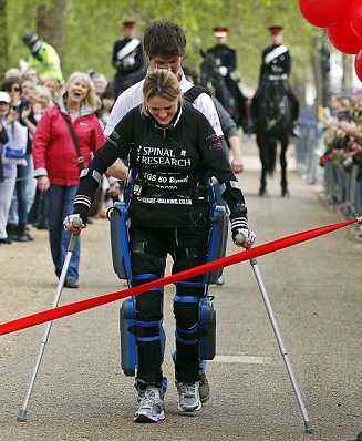 Paralyzed marathoner Claire Lomas, London
