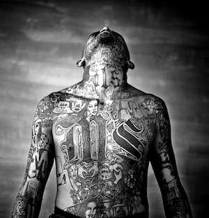 El Slavador gang member, Sony World Photography Award 2008 Moisen Saman - CC Flickr