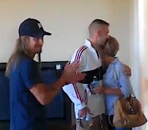 Kid Rock presents new home to Vet-vid