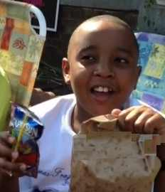 boy sells lemonade for detroit