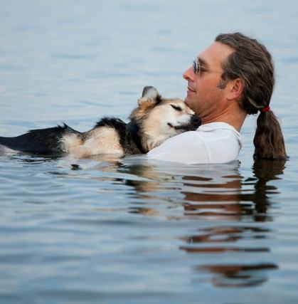 dog soothed by waters, Photo by StonehousePhoto.com