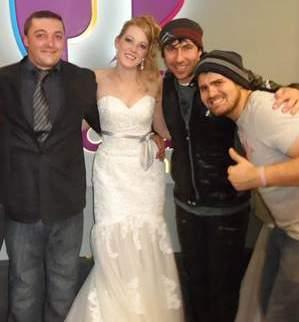 wedding party thanks to SA snow