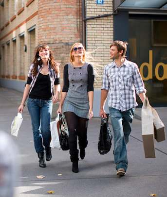 Shoppers and Tourism us-CC