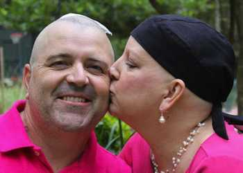 Cancer gift from shaving head-Dolly Stringer photo