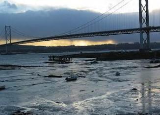 Forth bridge in Scotland-Andrew Bell-CC