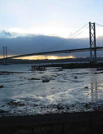 Forth bridge in Scotland-Andrew Bell-CC