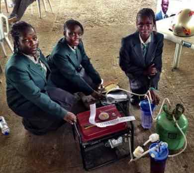 African teens pee-powered machine