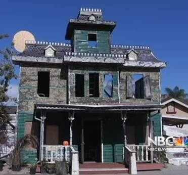 Haunted House - NBC video snapshot