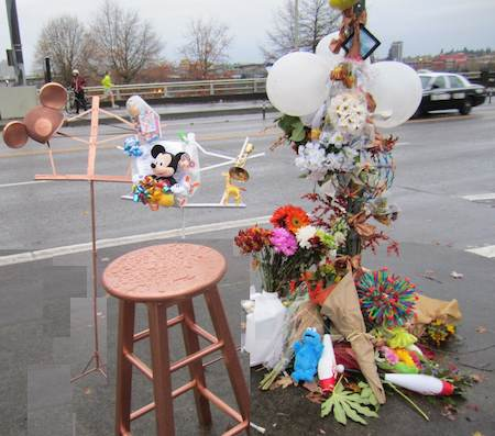Portland bridge memorial to musician