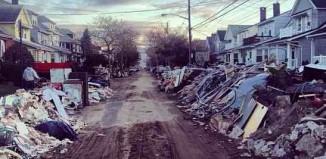 Rockaways neighborhood devastation, Ma neeks Flickr - CC