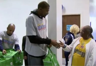 NBA star Kendrick Perkins gives back