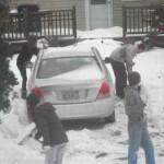 Snow shoveling teen Samaritans-FBphoto-Tracy Lynn DelValle