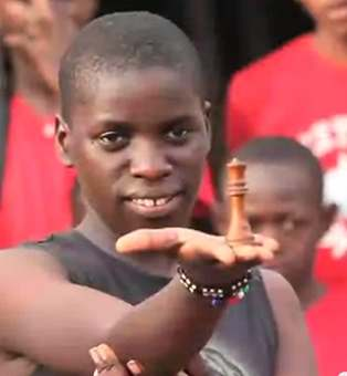 chess teen from Uganda-video