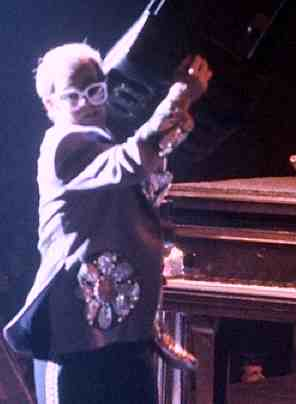 Elton John 2007 concert - photo by Tony Morelli - CC