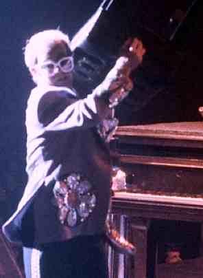 Elton John 2007 concert - photo by Tony Morelli - CC