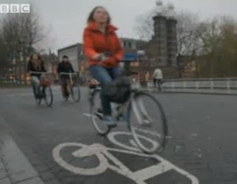 biking in Amsterdam-winter-BBCvid