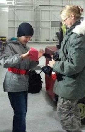 soldier gets kids letter- HAVE Alaska photo