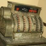 cash register antique-Gladtobeout Morguefile