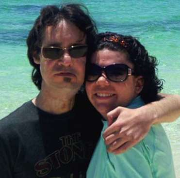 Newlywed burn victims - family photo