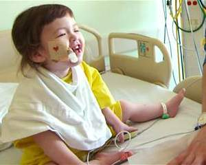 toddler gets first-ever stem cell windpipe