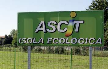 sign for ecological waste Italy