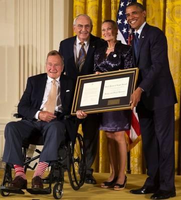George H W Bush w Obama
