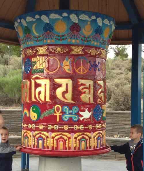 Peace Wheel in Elko w kids