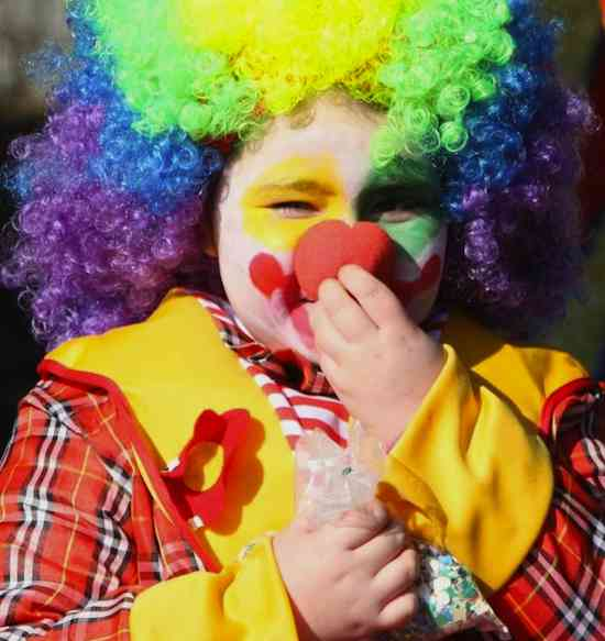 clown makeup on child-Izno91-CC-Flickr