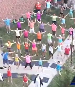 flashmob for sick patient - KMBC video