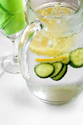 Adam Finley photo, lemonade- CC via foter.com