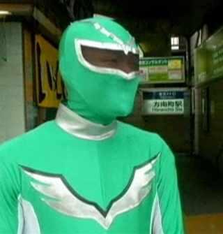 masked man in Japanese subway-EuroNews