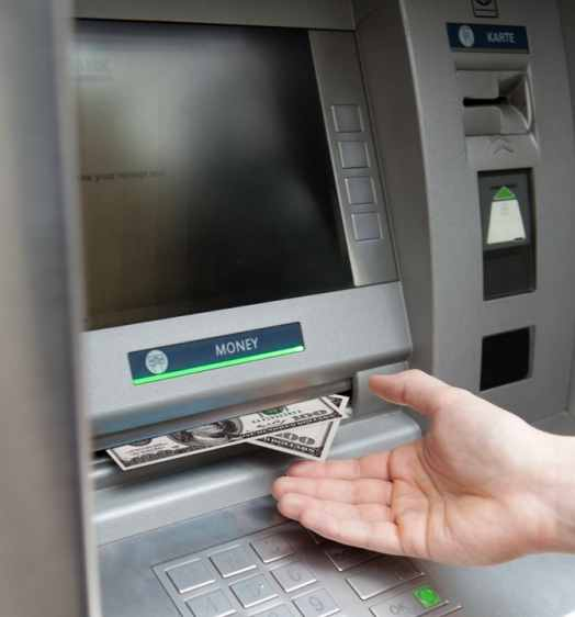 Honesty Withdrawal At Atm After Customer Forgot To Take