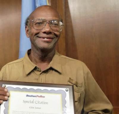 homeless man rewarded Glen James