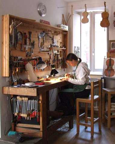 violin maker-by Hildegard Dodel
