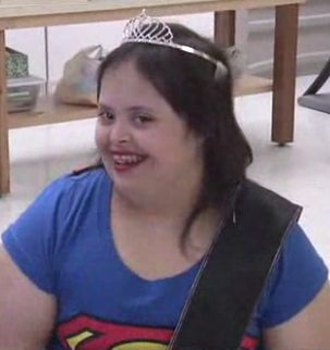 Down Syndrom homecoming queen-KGUNvid