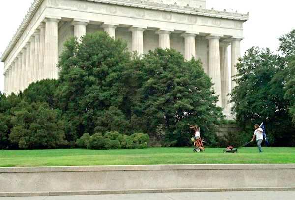 Lincoln Memorial citizen mower-Imgur