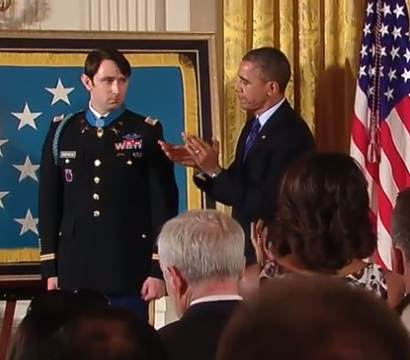 Obama presents Medal of Honor