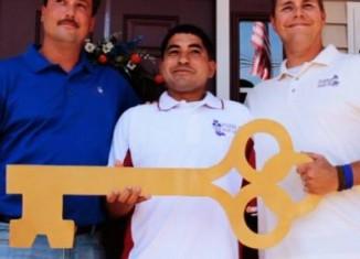 Veterans new home key-CNN