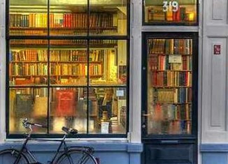 bookstore window sm-CC-MorBCN-Flickr