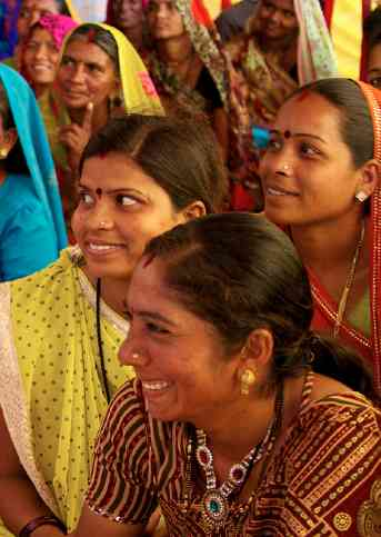 Indian women rural-mckaysavage-Flickr-cc