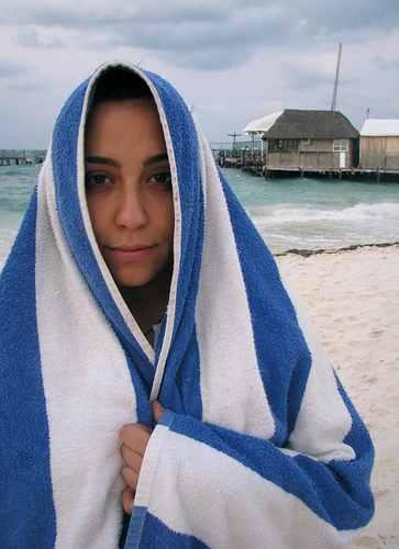 Israeli woman at beach-Flickr-toastforbrekkie-CC