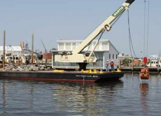 barge begins oyster reconstruction-ArmyCorps
