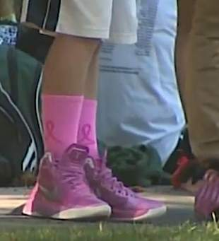 pink shoes and socks-CNNvid