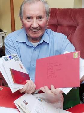 Irish Post photo-lonely James Gray w cards